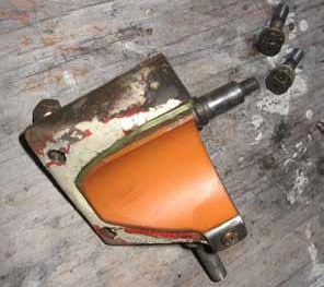 Gear leg saddle removed with the orange bumper pad showing
